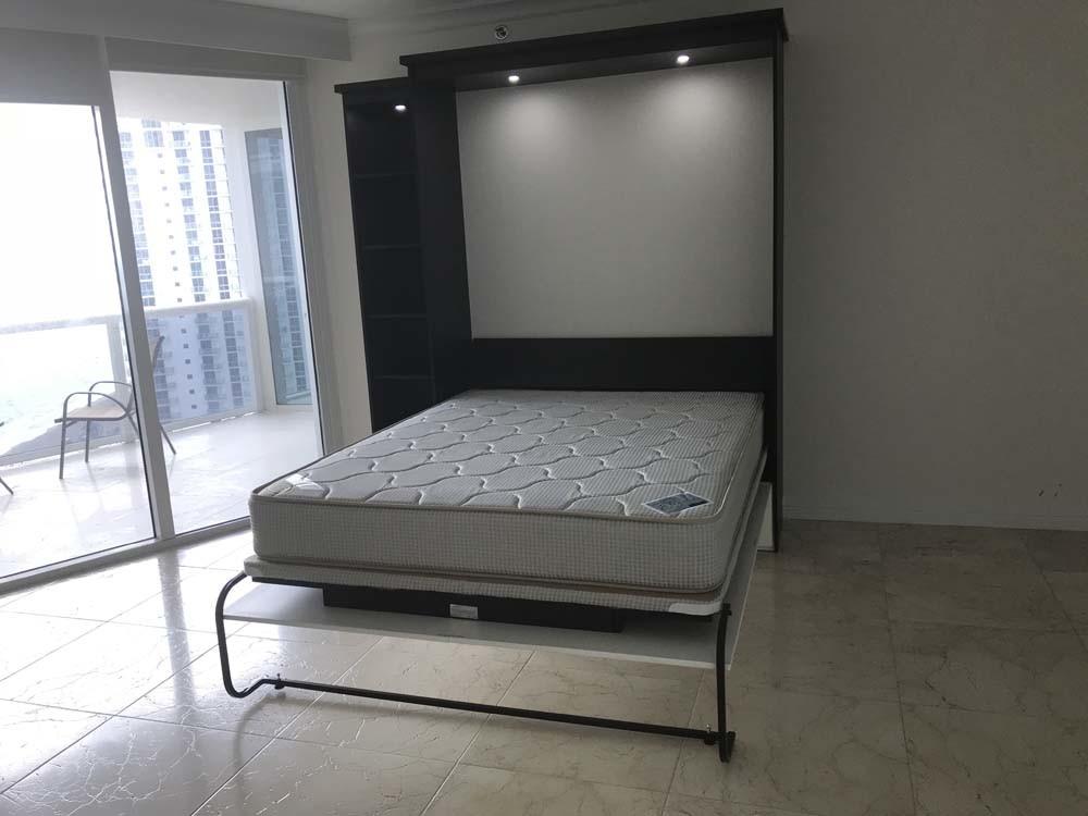 Panel Murphy Bed
